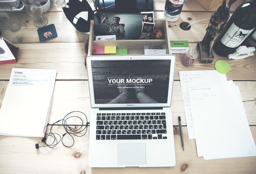 http://www.graphicsfuel.com/wp-content/uploads/2015/08/macbook-air-mockups.jpg