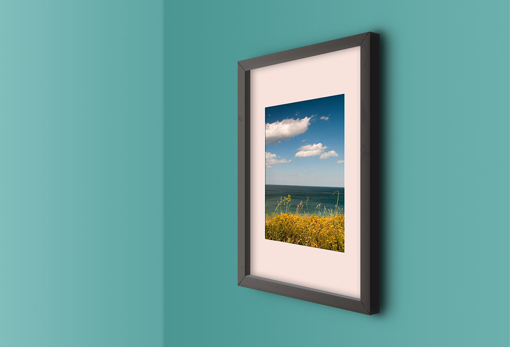 perspective-wall-photo-frame-mockup